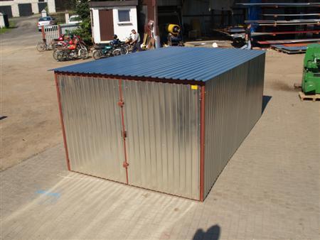standardowy garaż 3x5