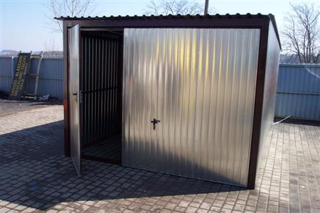 Garaż uchylny standard + drzwi 90cm w bramie uchylnej