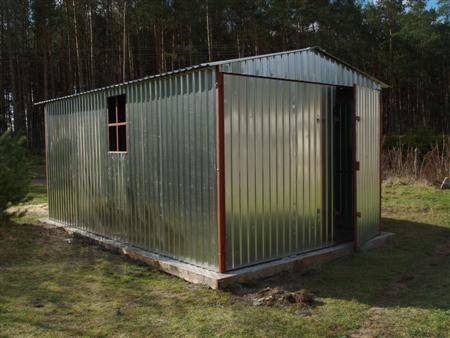 Garaż 5x3 standard ocynk z dwuspadem, drzwi asymetryczne i okno